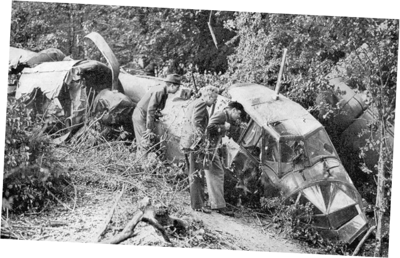 Corrected angle of Do 17 U5+KA fuselage by the side of the Elham Valley Railway